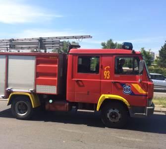 vatrogasci, vatrogasno vozilo, požar, vatra