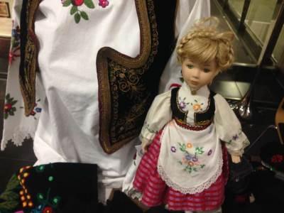 narodna nošnja, nošnja, jelek, lutka. prsluk