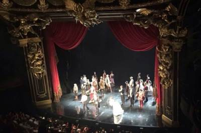 brodvej, pozorište, scena, predstava