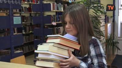 knjige, deca, dečak, mondo tv