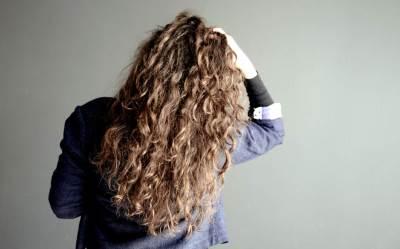 kosa, kovrdžava kosa, devojka, frizura, frizer, lokne, crna kosa, crnka
