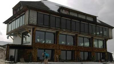 Kopaonik, objekat na Kopaoniku, gradnja, negelagna gradnja, objekat na Pančićevom vrhu, restoran na Kopaoniku, restoran na Kopu, restoran na Pančićevom vrhu