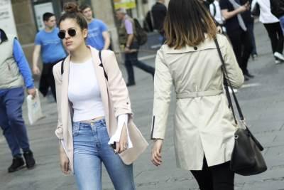 devojke, šetnja, lepo vreme, naočare za sunce