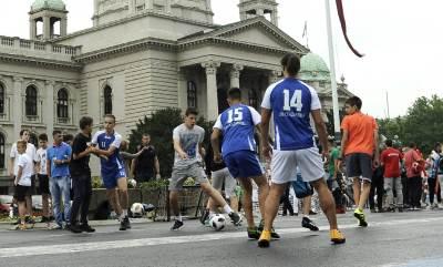 fudbal ispred skupštine