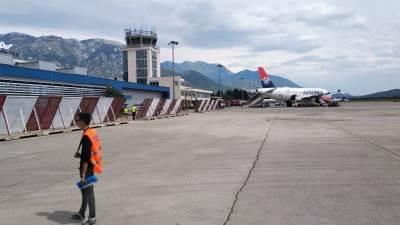 aerodrom Tivat, tivatski aerodrom, aerodrom, avion, Er Srbija, Air Serbia