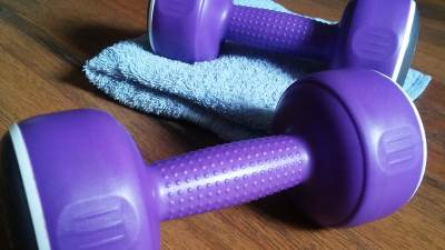 vežbanje, tegovi, fitnes, vežbe
