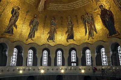 hram svetog save crkva spc pravoslavlje vernici