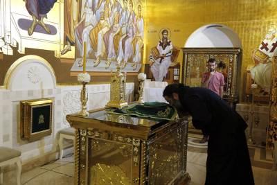 kripta hram svetog save spc vernici pravoslavlje crkva sveštenik