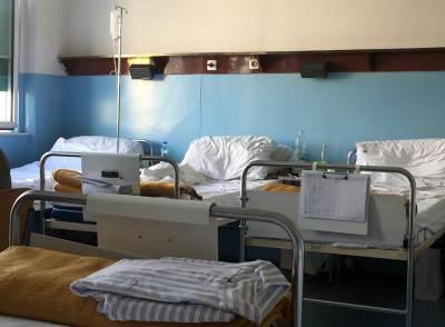 bolnica, bolnička soba, krevet, infuzija