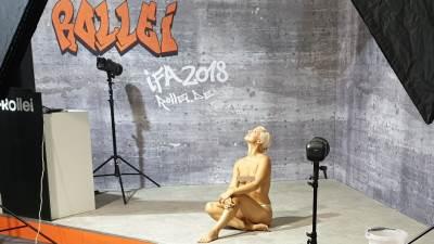 IFA 2018 Rollei promocija gola manekenka