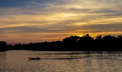 zalazak sunca, ušće, reka, čamac,