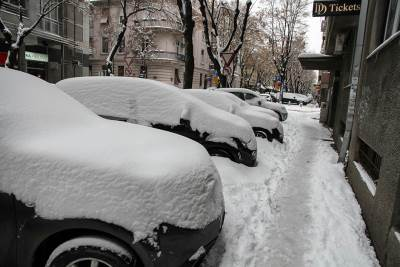sneg, ulica, beograd, automobili