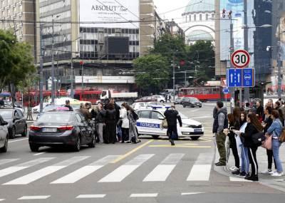 saobraćajna nesreća, uviđaj, policija, hitna pomoć, pešak, oboren, nosila