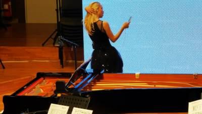 PHONES:ON, Nova muzika za pametne telefone