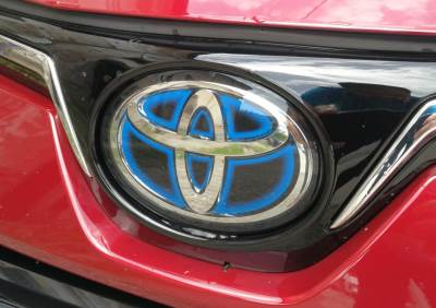 tojota logo hibrid